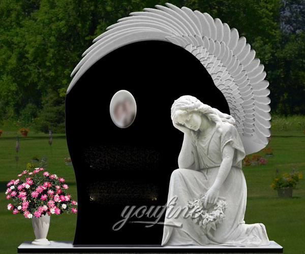 Natural Granite Angel cemetery monuments design