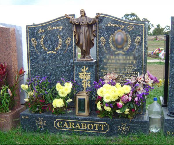 Natural granite monuments with bronze Jesus statue for grave decoraton