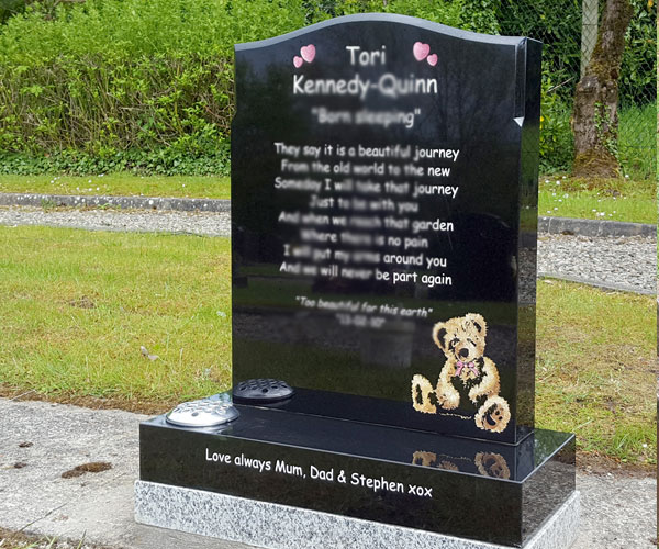 Upright black granite headstones plaques with carving teddy beer grave decoration